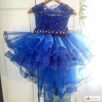 Нарядное детское платье пышное выпускной с шлейфом для выпускного синее