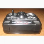 Машинка-джип на радиоуправлении, работает от аккумуляторов (входят в комплект)