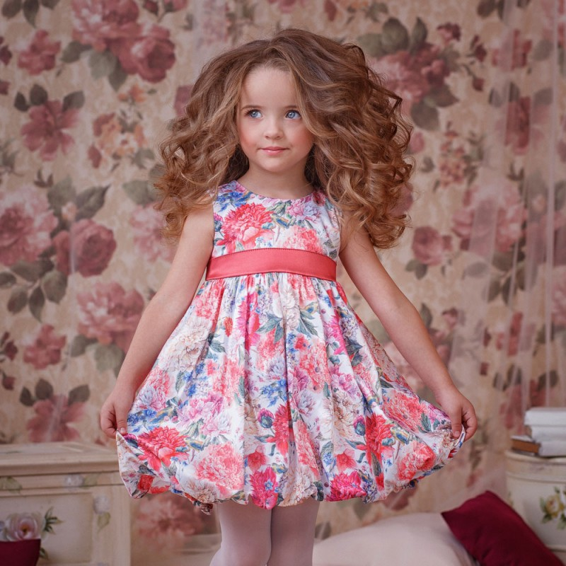 Фото 2. Нарядное платье для девочки Цветочки