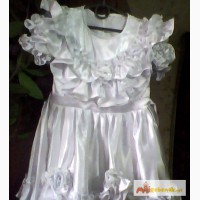 Праздничное нарядное белое платье б/у