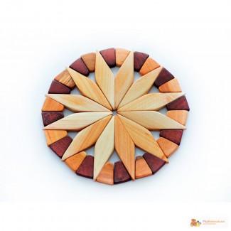 Красивая деревянная подставка