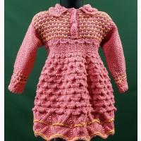 На подарок.Тёплое вязаное платьице