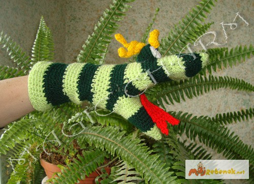 Фото 3. Игрушка-рукавичка Змейка
